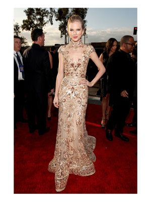 Taylor usually opts for something girlie; this sexier-than-usual look by Zuhair Murad was simply stunning.