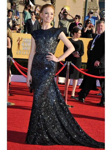 She may play a super-shy chick on <i>Glee</i>, but Jayma's blinged-out Reem Acra gown ensured all eyes were on her.