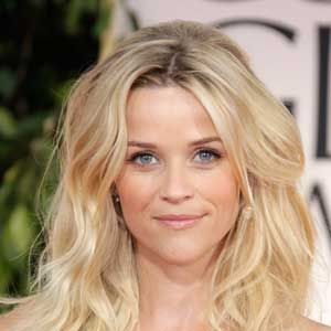 This style is the epitome of rumpled, bed-head waves—in the best way.