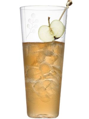 <i>4 oz. applejack<br />