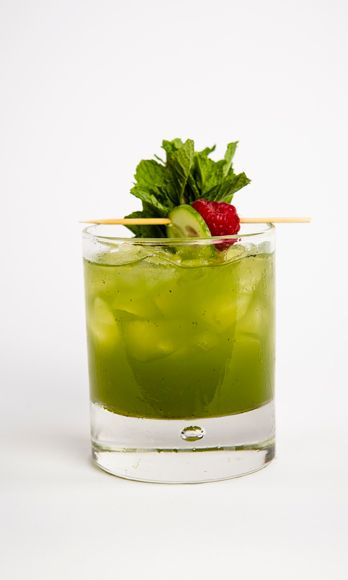 2 oz. Barrymore Pinot Grigio<br />4 cucumber chunks<br />5 mint leaves<br />¾ oz. lime juice<br />¾ oz. simple syrup<br />1 oz. soda water<br />Garnish: 3 mint sprigs and a cucumber slice</i><br /><br />To make simple syrup, mix equal parts hot water and sugar until sugar is dissolved.In a cocktail shaker, muddle cucumber and mint leaves. Fill shaker with ice and add lime juice, simple syrup, and wine. Shake vigorously. Strain into a glass filled with ice and garnish with three mint sprigs and a cucumber slice.<br /><br /><i>Source: Barrymore Wines</i>