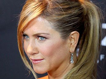 jennifer aniston facebook