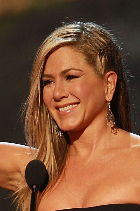 how to style hair like aniston aniston hair pictures of aniston 2297