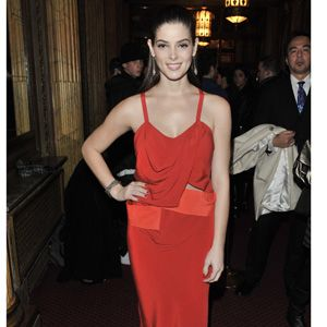 Our number one tip for making any skirt-top outfit seem dressier: Go monochromatic. Here, Ashley Greene wears a slim skirt and tank in a red-ish hue and the result is seriously sophisticated.