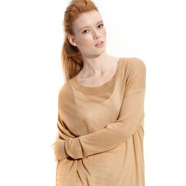 <p>This super-soft sweater will make you feel like you're watching TV on a lazy Saturday morning. The oversized fit has a sexy way of making him think about you wearing his shirt.</p>
