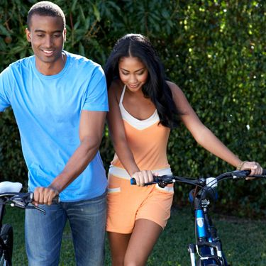 Rent bikes and explore a new neighborhood or park on wheels. Guys love being active, and he'll dig that you're the kind of girl who isn't afraid to work up a sweat.