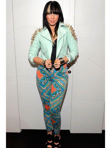 Sleeve, Joint, Style, Teal, Bangs, Turquoise, Blazer, Knee, Street fashion, Aqua,
