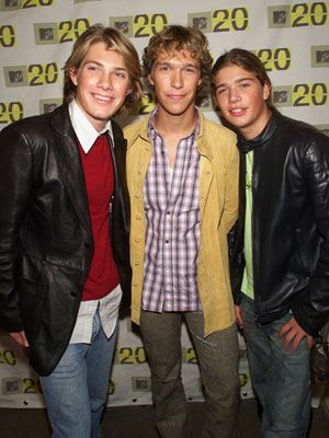 "Long before the Jo Bros, Hanson had the 'brother boy band' act down pat. Their biggest hit, ""MMMBop,"" was No. 1 on the Billboard charts for three weeks straight in 1997."