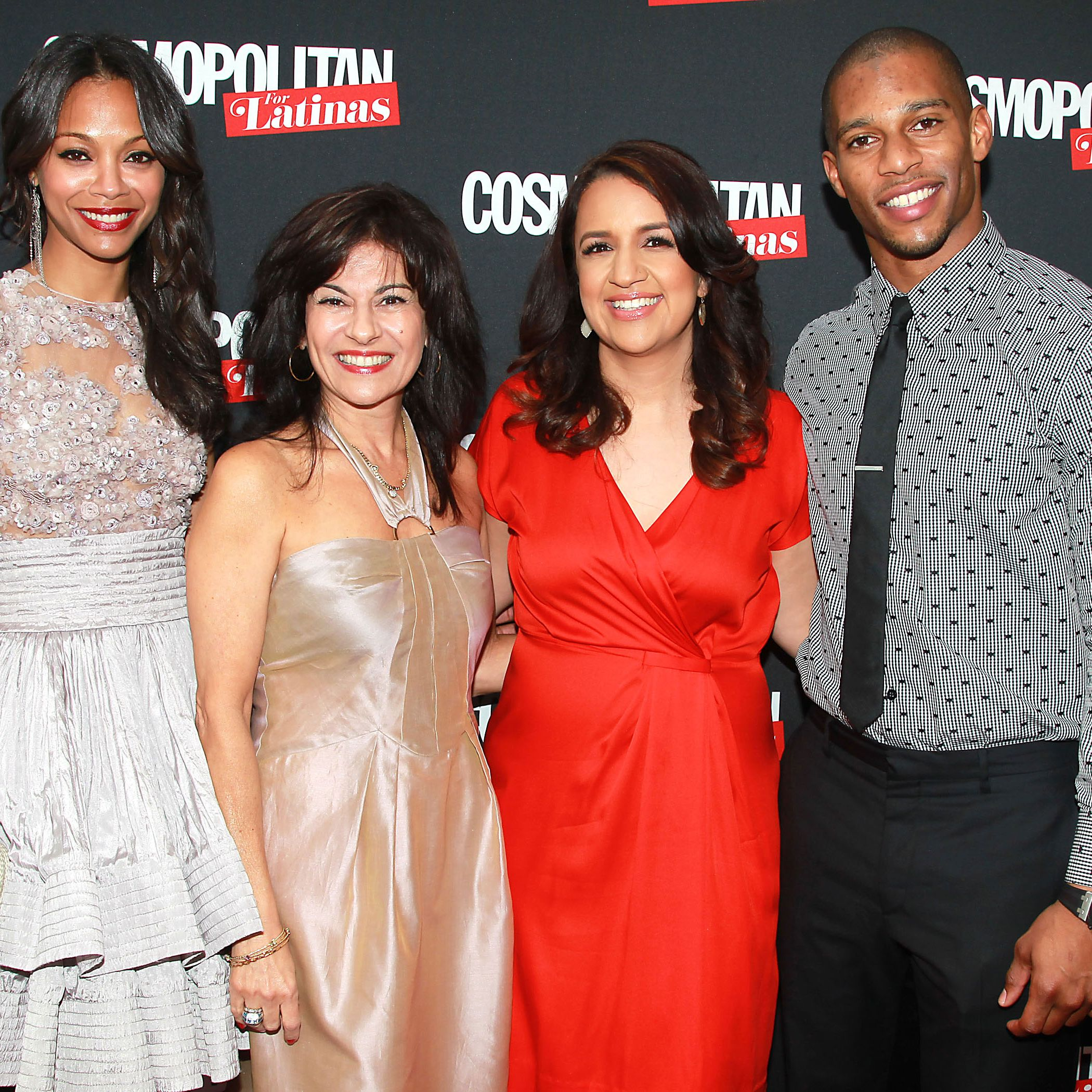 Cover girl Zoe Saldana with, from left, Cosmopolitan For Latinas Publisher, Donna Kalajian Lagani, Editor-in-Chief, Michelle Herrera Mulligan and NY Giant Victor Cruz.