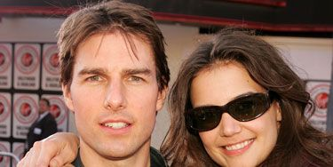 cb5cda0c418d Katie Holmes Tom Cruise Divorce - Celebrity Couples Body Language