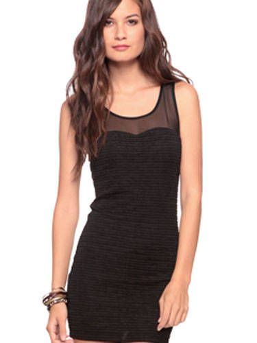 Arm, Sleeve, Dress, Shoulder, Photograph, Joint, Standing, One-piece garment, Style, Formal wear,