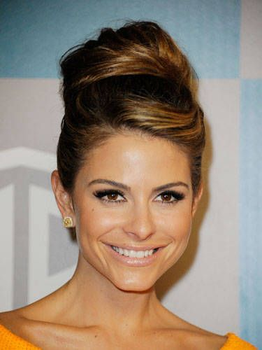 Pleasant How To Do A High Bun Celebrity Tops Knots And High Buns Hairstyle Inspiration Daily Dogsangcom