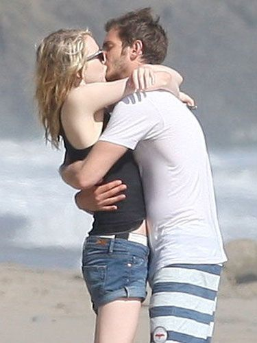 By lining up their lips, chests, and pelvises, Emma Stone and Andrew Garfield show they're totally connected—and seriously hot for each other.