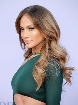 "<p>Latin babes do best in this season's rich, multidimensional shades (and let's face it: That platinum look is just not cute). With deeper skin tones, it's all about contrast. Sheri Román, the artist behind model Marisa Miller's beachy locks, breaks it down.</p> <p><strong>For lighter skinned ladies: </strong>Try light, buttery shades.</p> <p><strong>For </strong><strong><em>las cafés con leche</em></strong><strong>: </strong>Choose a contrasting champagne blond for a brightening effect.</p> <p><strong><em>Para todas: </em></strong>Add dimension with highlights in a cool (ashy or wheat) or warm (golden) palette—depending on your skin tone. If you're not ready to go full-on blonde, try caramel streaks to frame and brighten your face.</p> <p> </p> <p>Tip: For a daily dose of shine and moisture try <a href=""http://www.walgreens.com/store/c/redken-color-extend-total-recharge/ID=prod6052855-product?ext=gooBeauty_PLA_Color_Enhancing_Conditioner_prod6052855&adtype={adtype}&sst=3a607f87-5f2a-24a9-13cc-000009984c21"" target=""_blank"">Redken Color Extend Total Recharge</a>. Spray it on damp hair after shampooing. It can be washed out or used as as a leave-in conditioner. </p>"