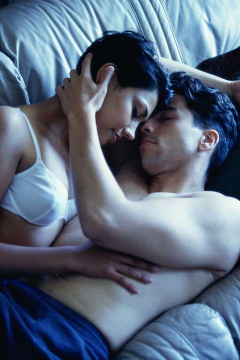 basseyn-film-erotika
