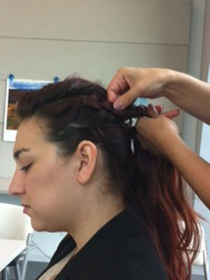 <p>Loosen parts of the braid by pulling with your fingers lightly.</p>