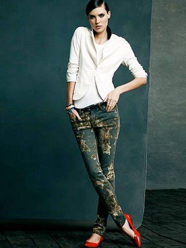 Clothing, Footwear, Leg, Sleeve, Shoulder, Denim, Collar, Textile, Standing, Photograph,