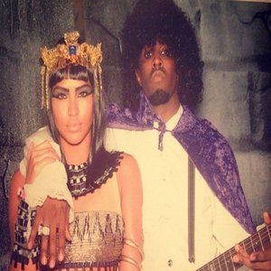 <p>The beautiful Cassie Ventura and Diddy dressed as Celopatra and Prince.</p>