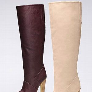 "<p>Tall, high-heeled, leather boots came into style in mami's time and they never get old. Add a twist by picking up a pair in <a href=""http://www.cosmopolitan.com/cosmo-latina/street-style/how-to-wear-oxblood"" target=""_blank"">oxblood</a> or ivory.</p>