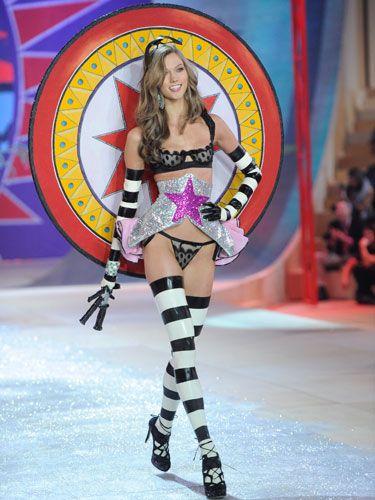 9784609e78 Victoria s Secret Fashion Show 2012 - Outfits The Models Wore At The  Victoria s Secret Fashion Show