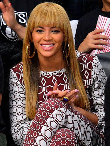 Hairstyle, Style, Bangs, Long hair, Eyelash, Feathered hair, Blond, Hair coloring, Layered hair, Brown hair,
