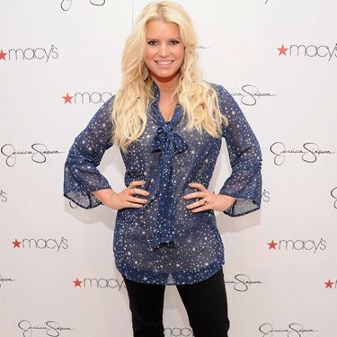 "<a href=""http://www.cosmopolitan.com/celebrity/news/jessica-simpson-smoothie-diet"" target=""_blank"">According to a report</a>, Jessica Simpson tried a smoothie-based crash diet to shed lbs after the birth of her daughter, Maxwell. Jessica allegedly downed three smoothies a day (with two healthy snacks) for five days&#x3B; two smoothies a day (along with two healthy snacks and one meal) for five days, then one smoothie a day (with two snacks and two meals) for five days. We love smoothies and all, but..."