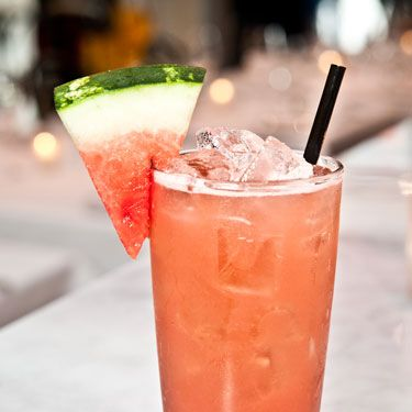 <i>2 oz. Milagro Tequila Blanco<br />