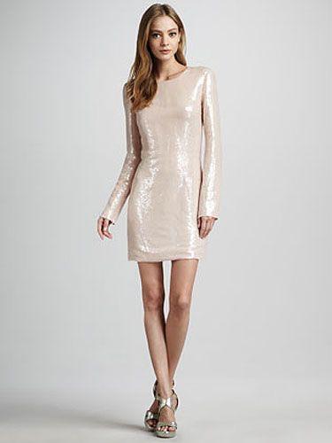 Clothing, Sleeve, Human leg, Shoulder, Joint, White, Dress, Style, Fashion model, One-piece garment,