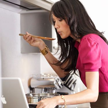 <p>A new study shows that people who track their food and calorie intake lose an average of 15 pounds more than those who don't. Luckily, there are now a ton of food tracking apps available for smartphones from companies like Weight Watchers and MyFitnessPal.</p>