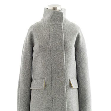 <p>Hop in this cute coat—it'll keep you nice and toasty, <i>and</i> looking hot.</p>