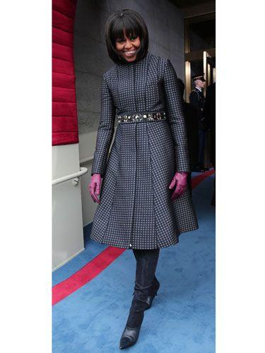 Clothing, Footwear, Textile, Outerwear, Style, Dress, Street fashion, Boot, Fashion, Pattern,