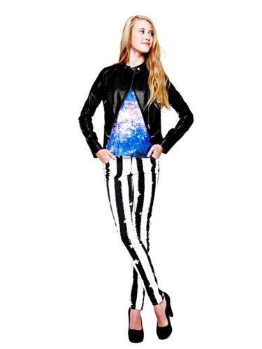 Sleeve, Shoulder, Style, Knee, Neck, Electric blue, Jacket, Fashion model, Cobalt blue, Waist,