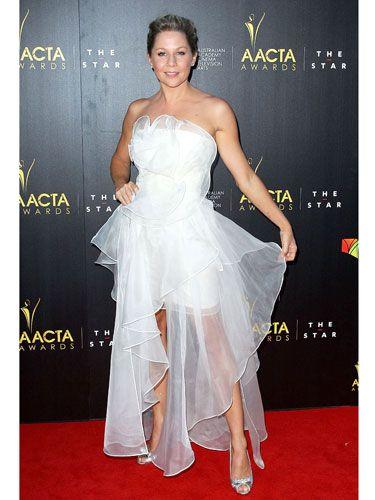 Human body, Shoulder, Flooring, Textile, Joint, Dress, Formal wear, Style, Carpet, Fashion,