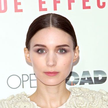 At the <i>Side Effects</i> premiere, the actress was fresh as a daisy with flirty-fresh skin, sleek hair, and velvety-rose lips. Romantic!