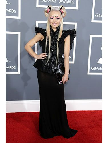 According to Google, Kerli is an Estonian singer/songwriter. She's also the chick who showed up to the Grammys looking like this.