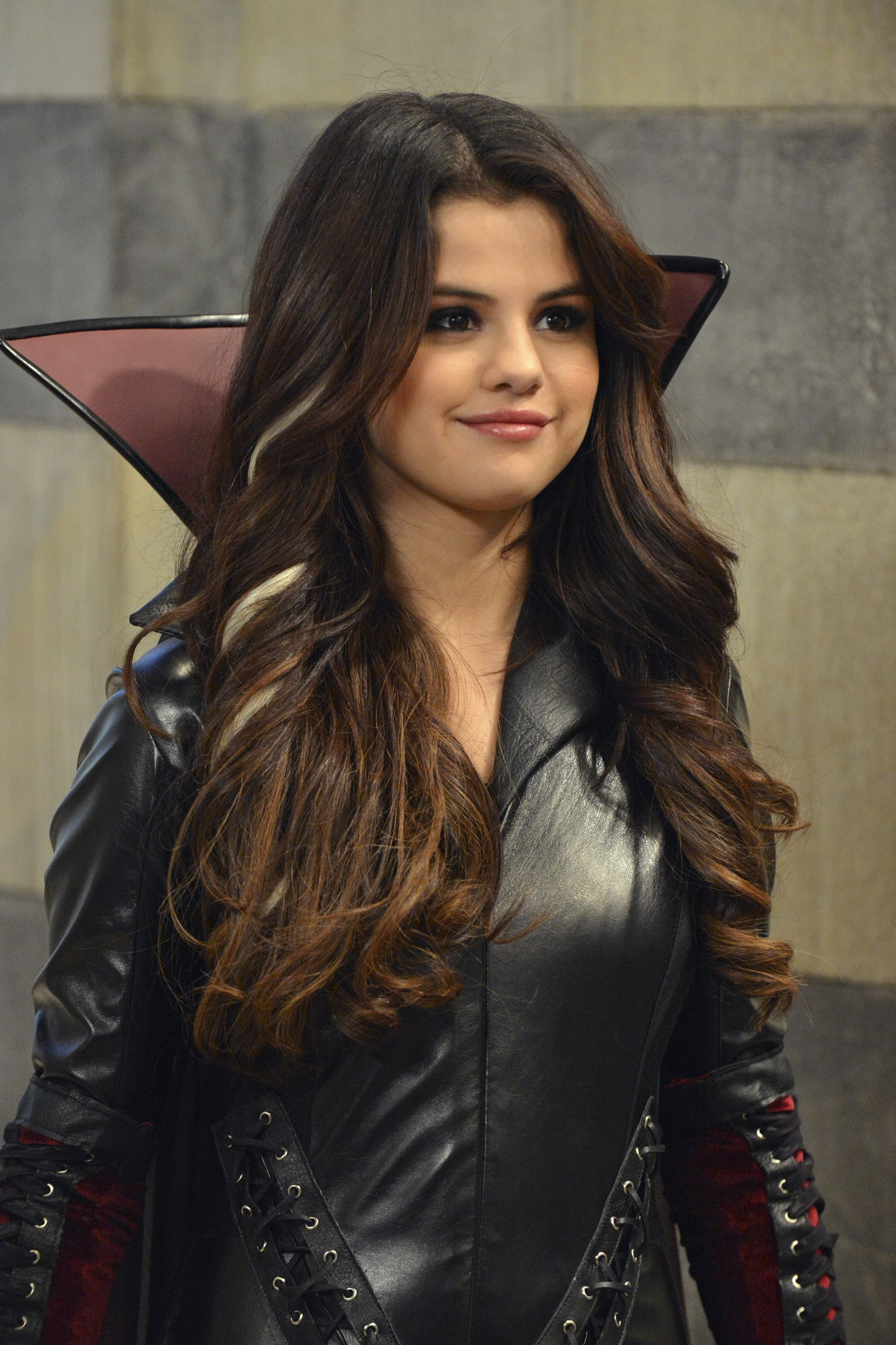 Wizards Of Waverly Place Fashion Evolution Selena Gomez