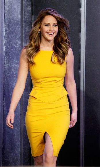 """<p>No matter how many A-listers are crawling the red carpet, <a href=""""http://www.cosmopolitan.com/celebrity/fashion/jennifer-lawrence-red-carpet#slide-1"""" target=""""_blank"""">Jennifer sticks out</a>. You'll almost always see her standing tall with her shoulders back, chin up, and a genuine smile. Experts say that the way you carry yourself has a huge impact on how others perceive you—and this all-eyes-on-me demeanor conveys that you're poised and self-assured.</p>"""