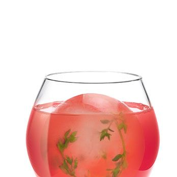 <i>2 oz. SKYY Infusions Moscato Grape<br />