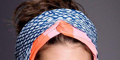 Ear, Lip, Brown, Hairstyle, Skin, Chin, Forehead, Eyebrow, Hair accessory, Eyelash,