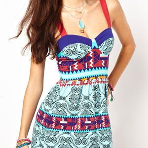 <p>A beautiful array of colors. We love the Aztec print. </p>