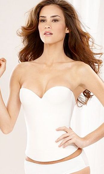 Finger, Hairstyle, Skin, Shoulder, Standing, Joint, White, Elbow, Chest, Style,
