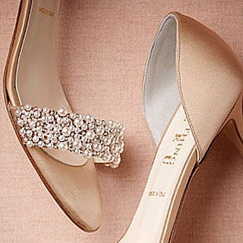 <p>Clearly, these are the perfect shoes for a formal beach wedding.</p>