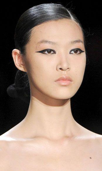 Ear, Lip, Cheek, Hairstyle, Skin, Chin, Forehead, Shoulder, Eyebrow, Joint,