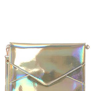 <p>Envelope clutches never go out of style, so you can wear it season after season! And metallics are sp edgy.</p>