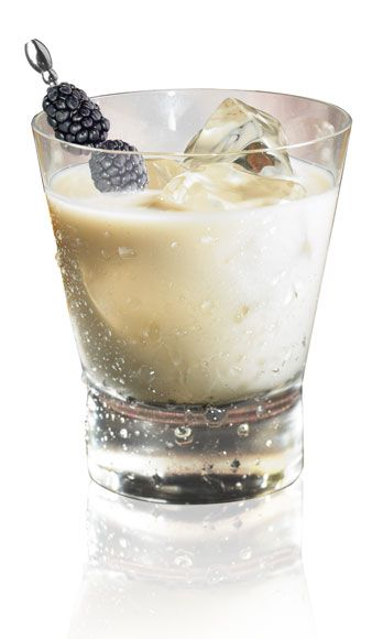 <i>½oz. Kahlúa Midnight1 oz. heavy cream</i><br /><br /> Combine all ingredients in a glass and stir.<br /><br /><i>Source: Kahlúa Midnight</i>