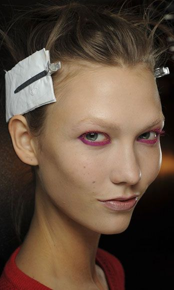 Ear, Lip, Cheek, Hairstyle, Chin, Forehead, Eyebrow, Eyelash, Earrings, Style,