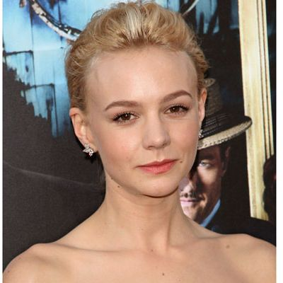 <p><em>The Great Gatsby </em>star worked a lovely, barely-there makeup look at the film's premiere. Sometimes all you need is a strong brow, flirty lashes, and a rosy lip tint to be the most-wanted woman in the room.</p>