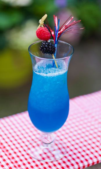 <i>1½ oz. white rum<br> 1 oz. blue curacao<br> 3 oz. Lemonade Sparkling ICE<br> Garnish: blueberries</i><br><br>   Combine all ingredients with ice in a blender. Blend on high until it becomes slushy. Pour into a glass and garnish with blueberries.  <br><br><i>Source: Sparkling ICE</i>