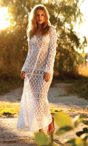 Textile, People in nature, Sunlight, Light, Street fashion, Dress, Beauty, Fashion model, Autumn, Model,