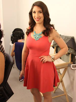 <p>Our reader winner Shirley Diaz stuns in a cute pink dress.</p>
